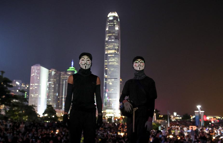 Hongkong: tysiące demonstrantów, starcia z policją w 5. rocznicę rewolucji parasolek