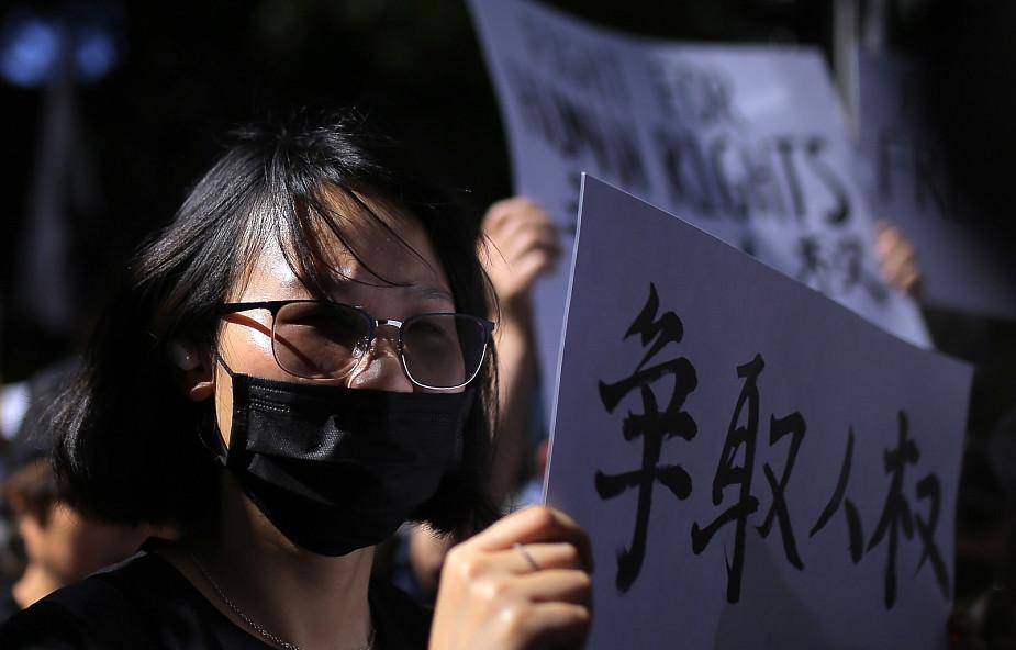 Protest w Hongkongu - policja użyła gazu łzawiącego