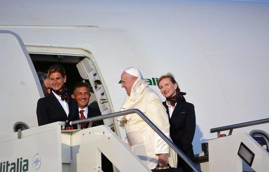 Papież do dziennikarzy: módlcie się za poszkodowanych na Bahamach
