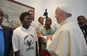 Maputo: papież spotkał się z fundacją Scholas Occurrentes