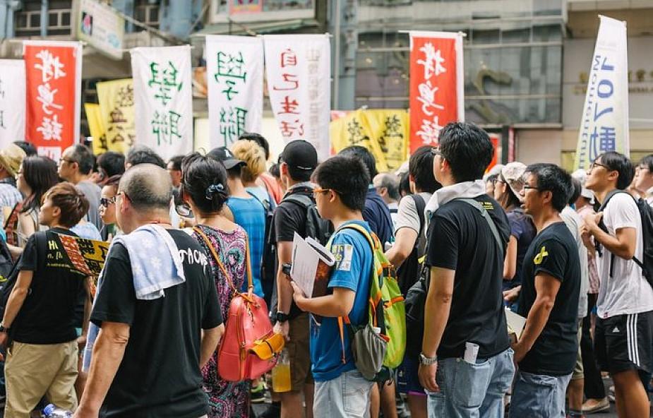 Policja w Hongkongu użyła gazu łzawiącego i gumowych kul wobec demonstrantów