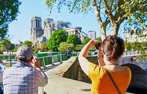 Trwa usuwanie szkód po pożarze Notre Dame, odbudowa w przyszłym roku
