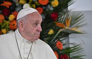 Papież Franciszek przybył na Madagaskar; Malgasze skonstruowali dla niego specjalny samochód