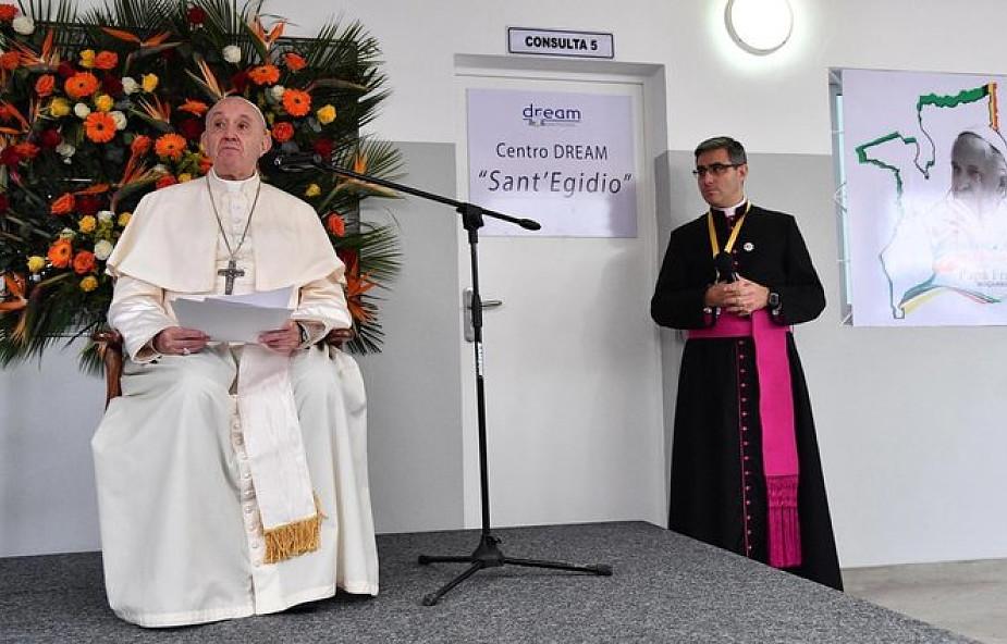 Franciszek: troska o chorych musi objąć wszystkie wymiary osoby