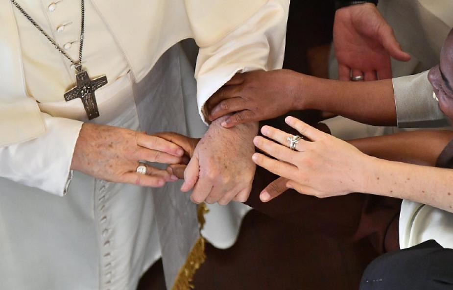 Franciszek w Mieście Przyjaźni: ubóstwo nie jest fatalnym przeznaczeniem [DOKUMENTACJA]