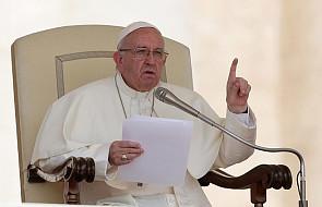 """""""Pielgrzym pokoju"""" . Rozpoczęła się 9-godzinna pielgrzymka Franciszka na Mauritiusie"""