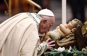 Incydent w Watykanie. Kobieta wykręciła rękę papieżowi