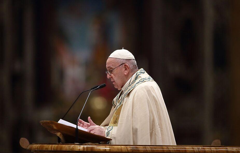 Papież: każda przemoc zadana kobiecie jest zbezczeszczeniem Boga