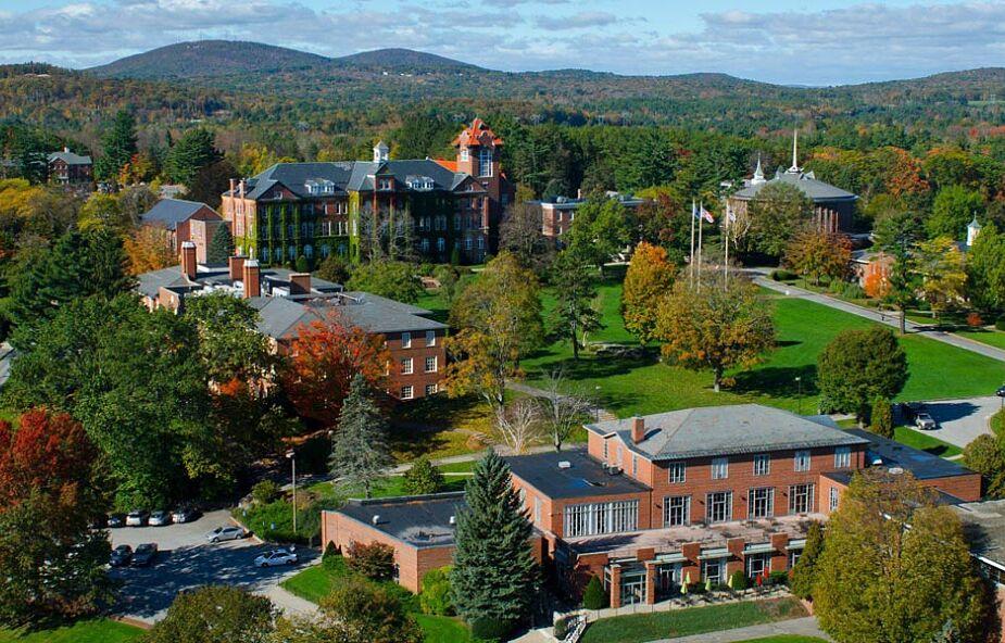 USA: spór dotyczący katolickiej tożsamości benedyktyńskiej uczelni