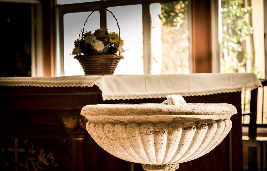 Dziś niedziela Chrztu Pańskiego - w liturgii kończy się okres Bożego Narodzenia