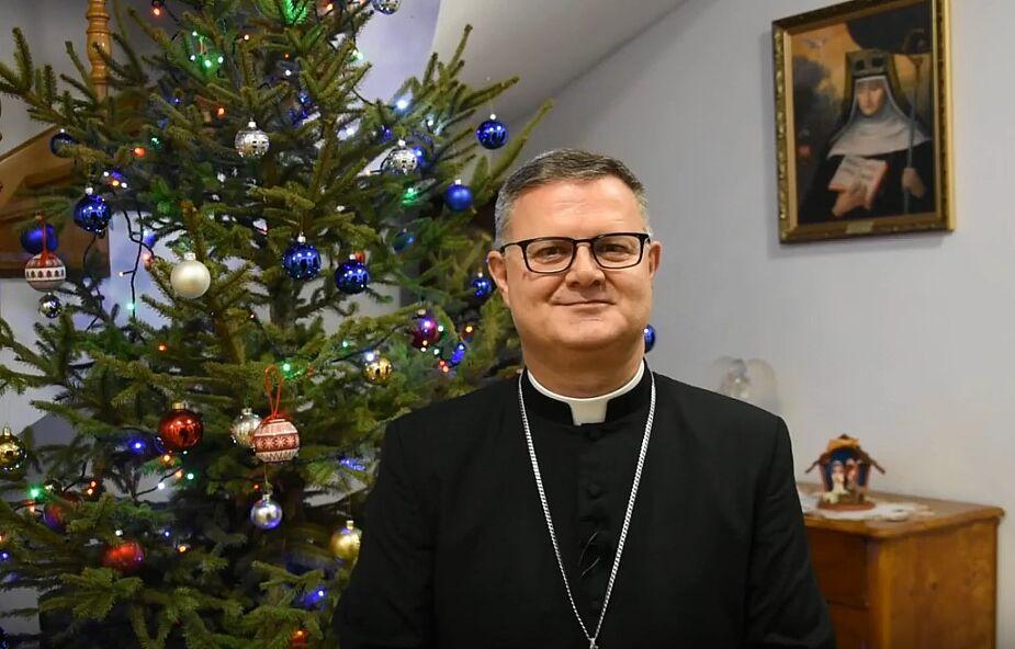 Bp Śmigiel: Niedziela Chrztu Pańskiego okazją do wdzięczności za własny chrzest