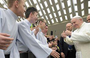Papież: chrońmy nasze serce przed robakiem zazdrości