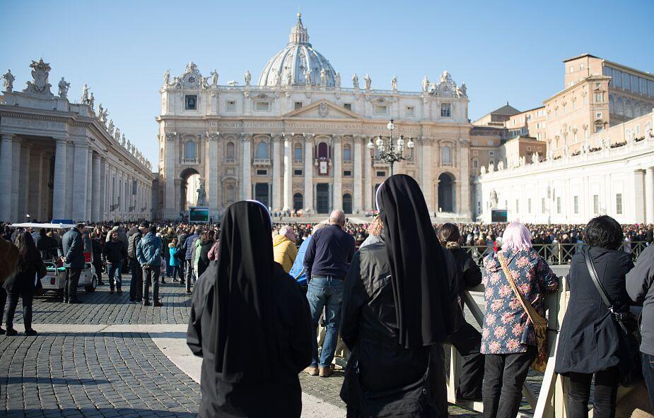 """""""To musi zostać ujawnione"""". Watykan bada przypadki wykorzystywania seksualnego zakonnic"""