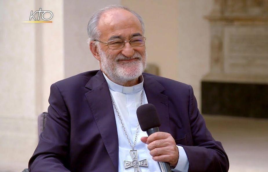 Kard. López Romero: spotkanie biskupów w Bari synodem nt. migracji