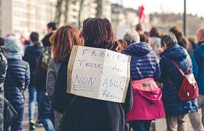 Francja: policja usuwa migrantów z obozowiska na północy Paryża