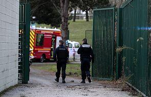 Atak nożownika pod Paryżem, napastnik zabity przez policję