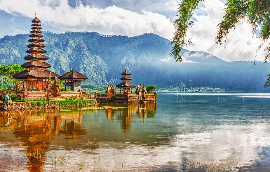 Indonezja pod wodą, Kościół spieszy z pomocą