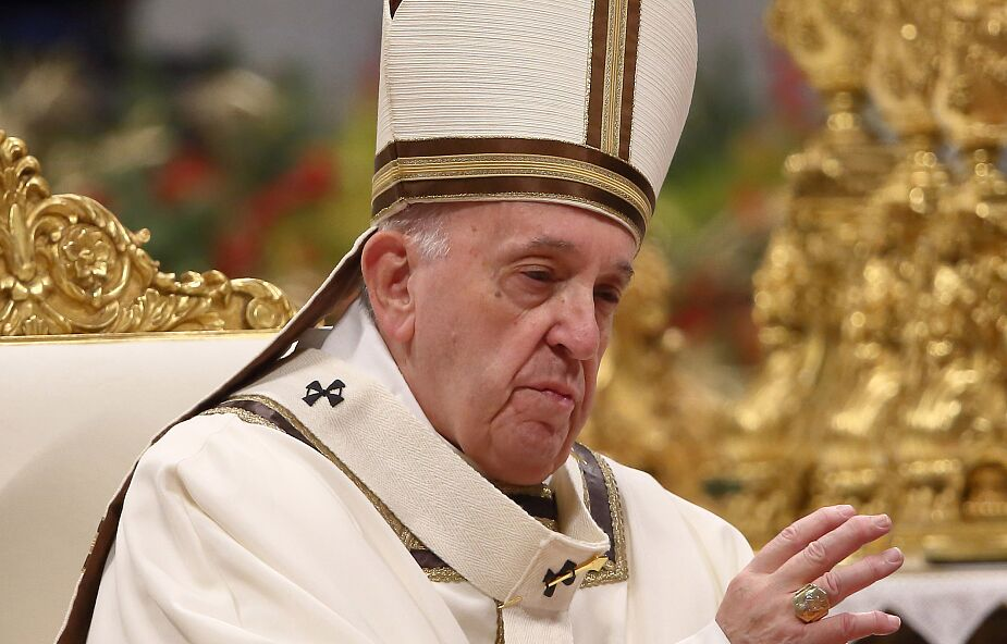 Franciszek modlił się za pogrążonych w smutku, przypomniał, że Jezus jest z nami także w chwilach mrocznych