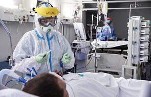 MZ: z powodu koronawirusa w szpitalach przebywa 4725 osób i 346 pod respiratorami