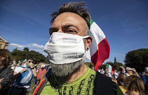 Włochy: blisko 2350 uczniów i 402 nauczycieli zakażonych koronawirusem