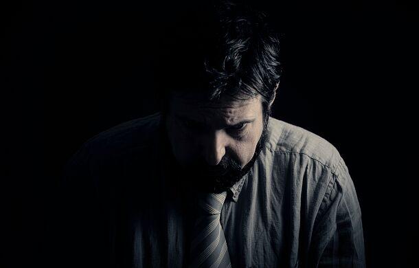 """Co czwarta osoba w Polsce doświadcza kryzysu psychicznego. """"To może być twój sąsiad"""""""