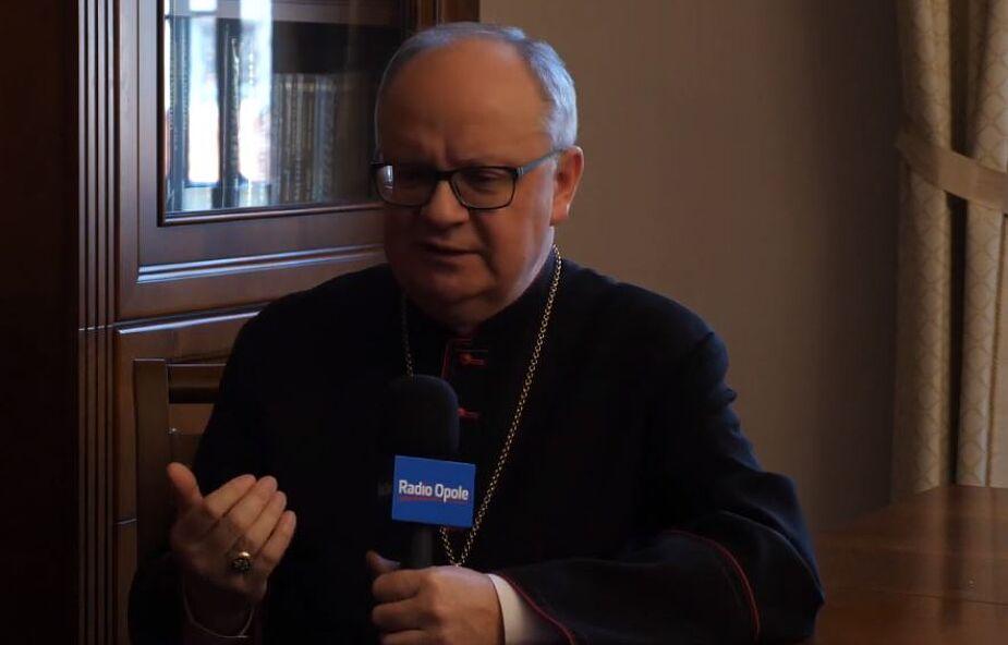 Biskup opolski podtrzymał dyspensę od udziału w mszy świętej
