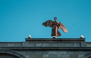 Anioł związany z losem człowieka staje się niejako jego duchowym bliźniakiem