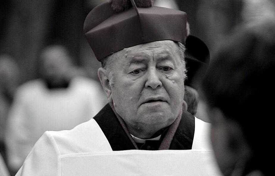 Zmarł bp Bogdan Wojtuś. Miał potwierdzony Covid-19