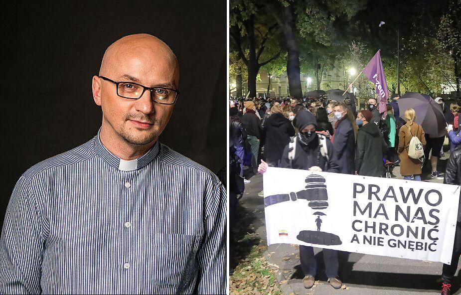 Grzegorz Kramer SJ: praktyka pokazuje, że nasze chronienie życia często kończy się na plakatach, krzykach i wraz z porodem