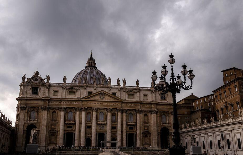Watykan: niedawny gość papieża zarażony koronawirusem