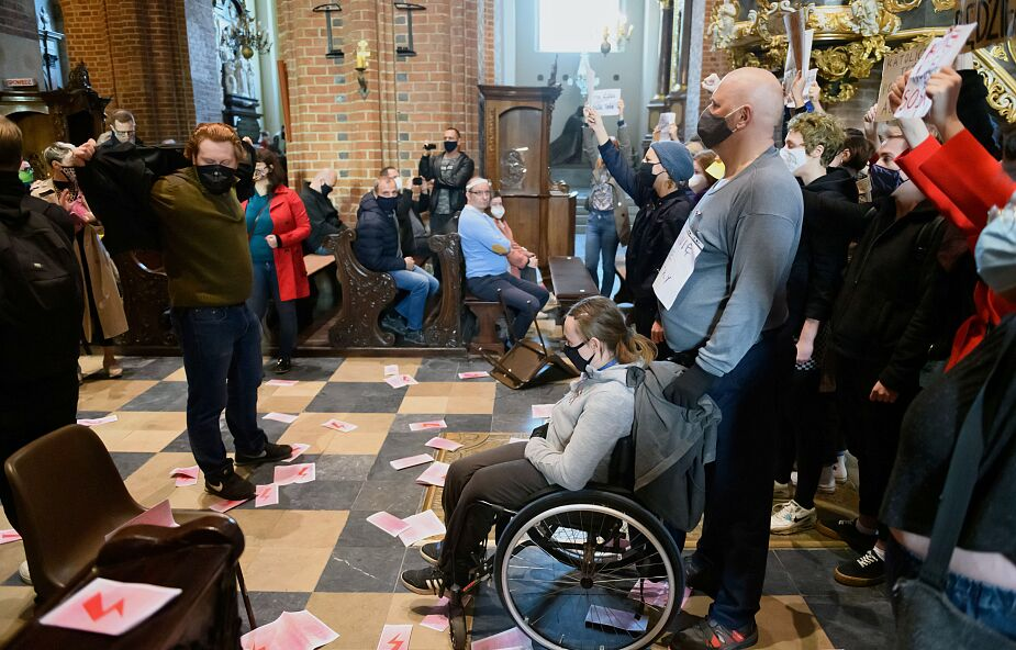 Maciej Biskup OP: Kościół w Polsce dał się wepchnąć na własne życzenie w grę polityków
