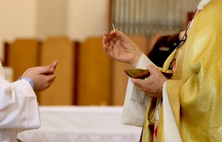 Katoliku, zanim wyrzucisz kogoś z Kościoła, najpierw go do niego zaproś