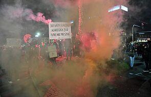 Warszawa: policja zablokowała przemarsz i wezwała protestujących do rozejścia się