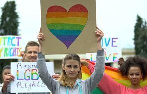 Niemiecki duchowny stanie przed sądem za obraźliwe uwagi o homoseksualistach; grozi mu 5 lat więzienia