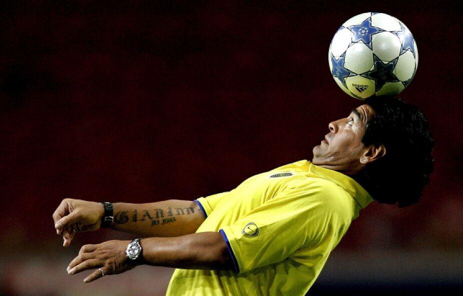 Argentyna: kibice opłakiwali śmierć Maradony na stadionach i pod jego domem rodzinnym