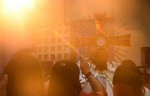 Czujesz, że Bóg jest bliski czy daleki? Weź udział w ankiecie