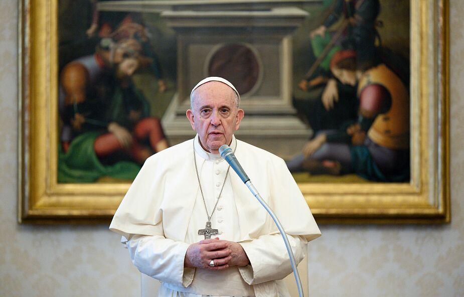 Papież: modlitwa za zmarłych otwiera nas na prawdziwą wolność