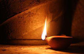 Gromadzić oliwę do lampy