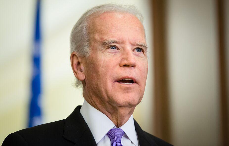 Joe Biden w poniedziałek zaszczepi się przeciwko koronawirusowi