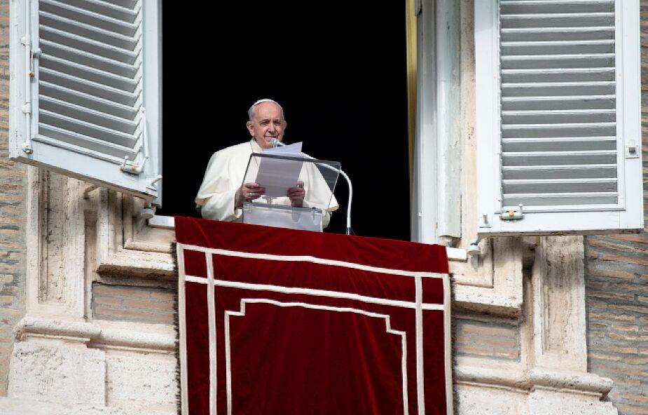 Papież dziękuje lekarzom i pielęgniarkom za troskę o chorych w czasie pandemii