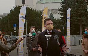 CBOS: Szymon Hołownia ponownie liderem rankingu zaufania