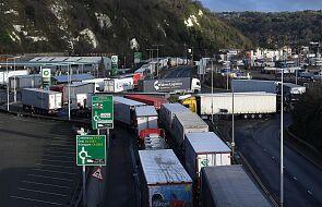 W. Brytania/ BBC: ponad 700 ciężarówek już opuściło Dover, ok. 5000 czeka na wyjazd