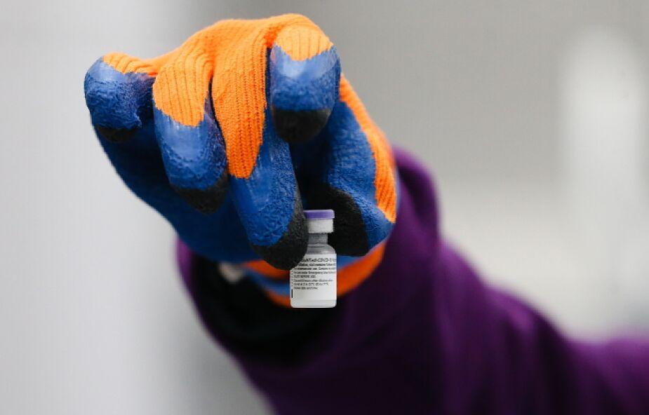 Około 4,3 tys. farmaceutów gotowych robić zastrzyki przeciwko COVID-19