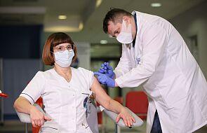 W Warszawie zaszczepiono pięć pierwszych osób na COVID-19