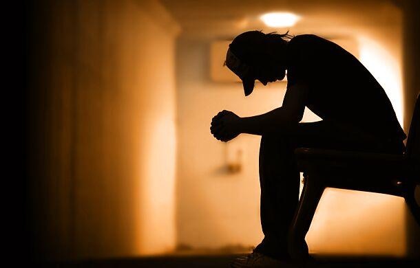 """Ma 17 lat, jest po próbie samobójczej. """"Brakuje mi rozmów z moim tatą"""""""