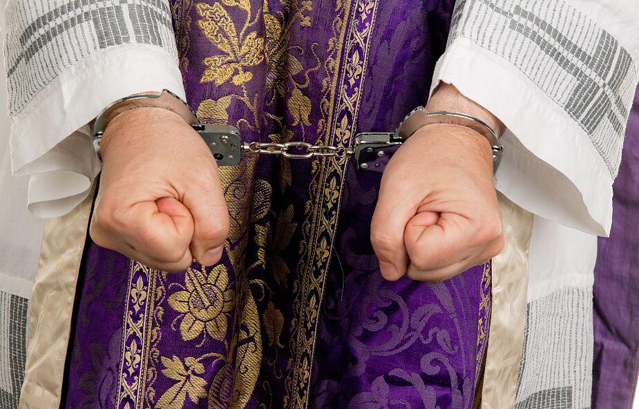 Białoruś: ksiądz katolicki skazany na 10 dni aresztu za publikację w internecie