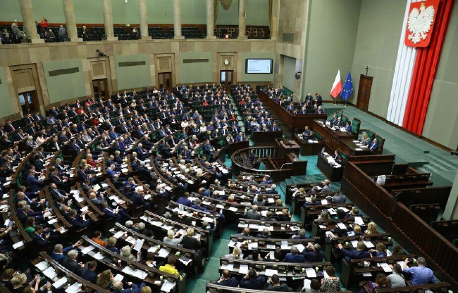 Sejm przyjął budżet na ten rok bez deficytu