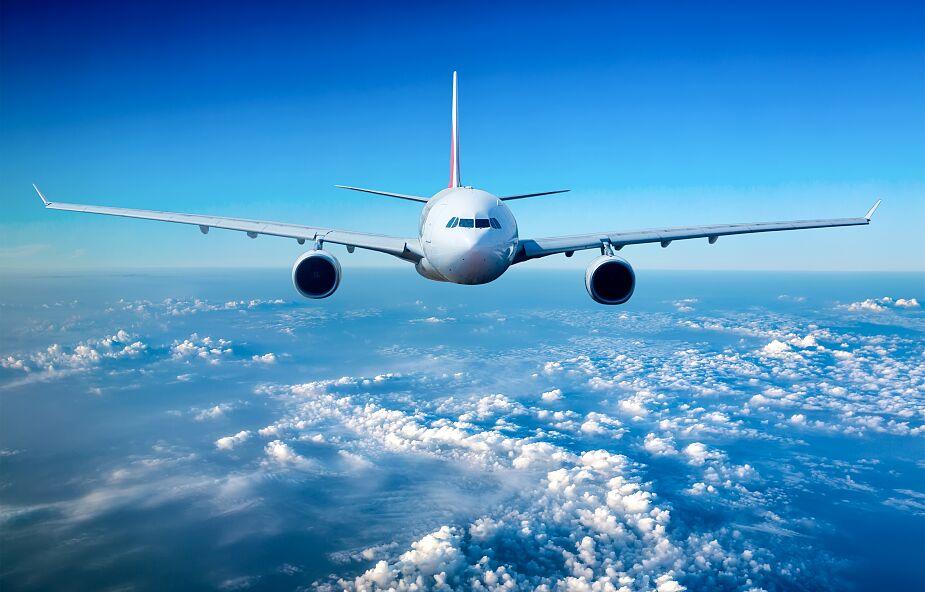 Gdańsk: silne podmuchy wiatru uniemożliwiły lądowanie samolotu