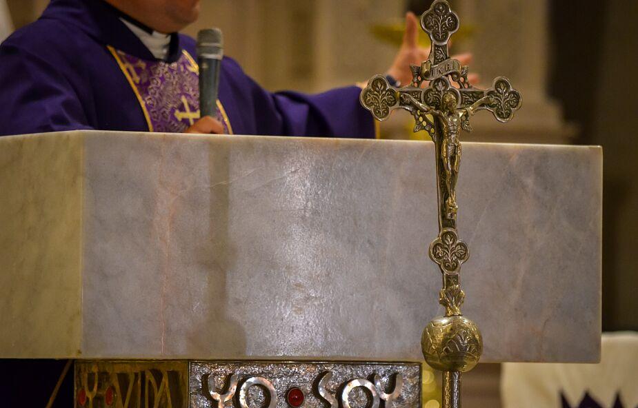 Politykowanie księży