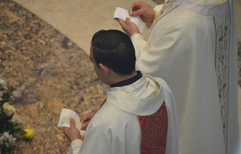 Oświęcim: kapłan z prokuratorskimi zarzutami w sprawie molestowania nieletniej